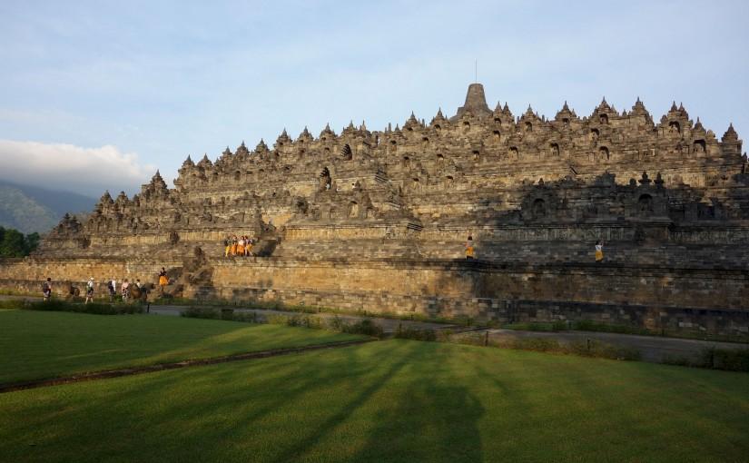 Боробудур – история буддизма, застывшая в камне