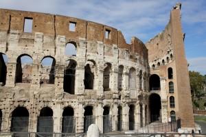 Колизей - символ величия Римской Империи (https://www.flickr.com/photos/clara/)