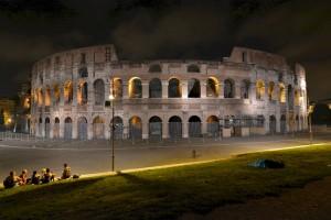 Колизей - символ величия Римской Империи (https://www.flickr.com/photos/crashtestmike/)