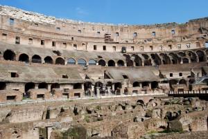 Колизей - символ величия Римской Империи (https://www.flickr.com/photos/kingdafy/)