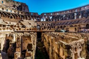Колизей - символ величия Римской Империи (https://www.flickr.com/photos/lelalelini/)